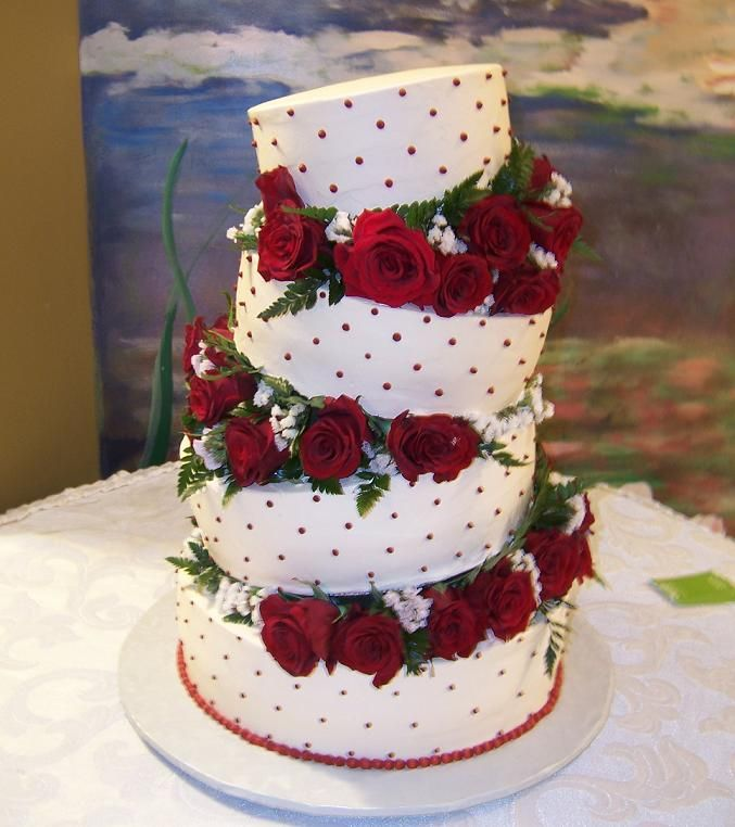 Cake Ideas With Red Roses : A Toast to Wedding Cakes myMEGusta